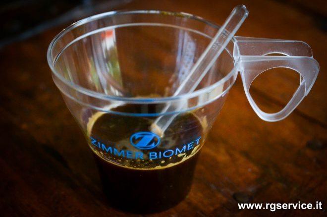 Tazzina da caffè monouso personalizzata con logo.